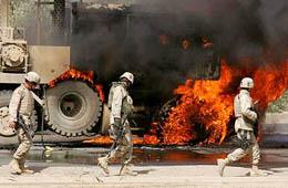 un livre sur la guerre en IRAK AttentatFlammesIrak